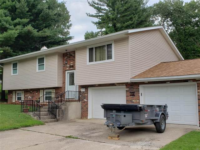 4371 Thadway Drive, Alton, IL 62002 (#20055466) :: The Becky O'Neill Power Home Selling Team