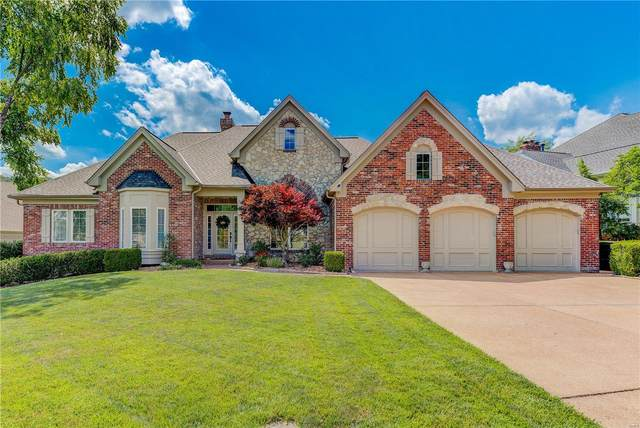 881 Cabernet Lane, Saint Albans, MO 63073 (#20055645) :: The Becky O'Neill Power Home Selling Team