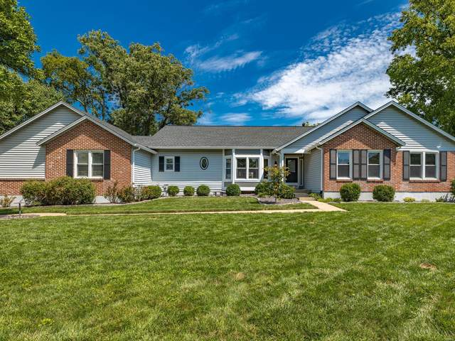 2252 Sycamore Drive, Chesterfield, MO 63017 (#20055764) :: The Becky O'Neill Power Home Selling Team