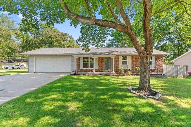 26 Country Lane, Warrenton, MO 63383 (#20055791) :: The Becky O'Neill Power Home Selling Team