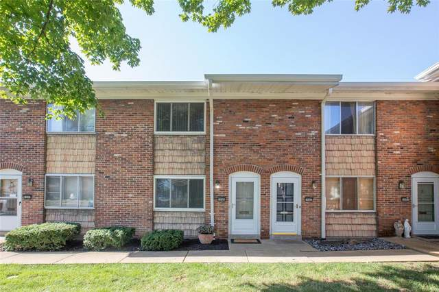 10585 Carroll Wood Way, St Louis, MO 63128 (#20056251) :: The Becky O'Neill Power Home Selling Team