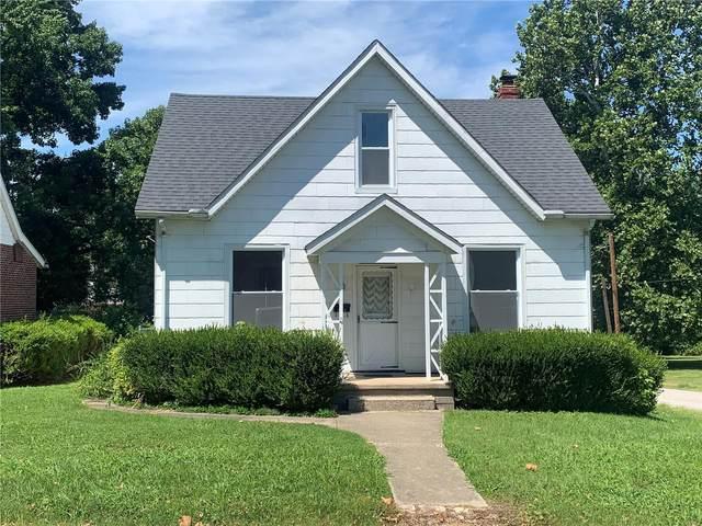 323 N Washington, TRENTON, IL 62293 (#20056253) :: The Becky O'Neill Power Home Selling Team