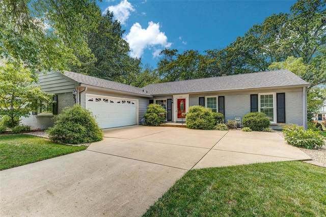 1731 Pine Hill Drive, St Louis, MO 63131 (#20056273) :: Kelly Hager Group | TdD Premier Real Estate