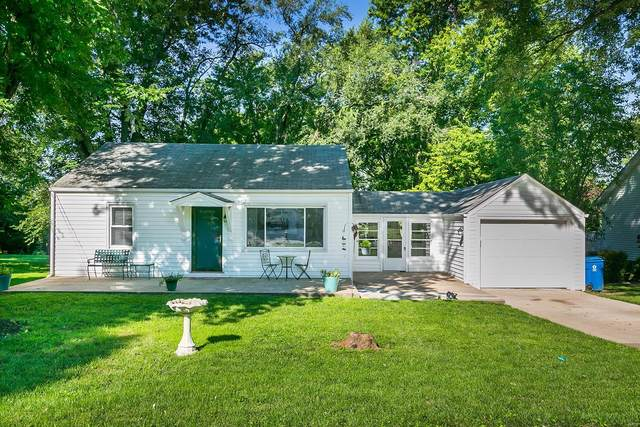 3027 Ridgeview Drive, Saint Charles, MO 63301 (#20056282) :: The Becky O'Neill Power Home Selling Team