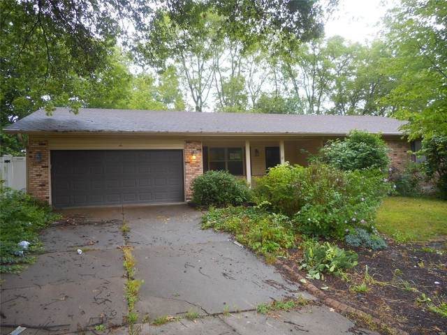 6 Blackstone, Saint Charles, MO 63303 (#20056418) :: The Becky O'Neill Power Home Selling Team