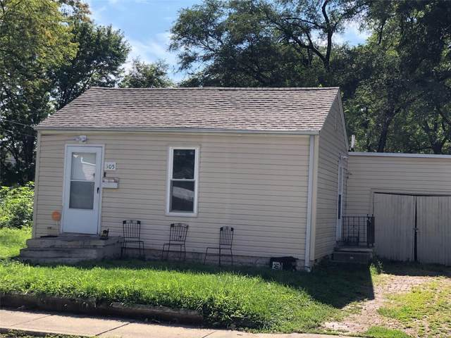 305 N 11th, Belleville, IL 62220 (#20056599) :: Clarity Street Realty