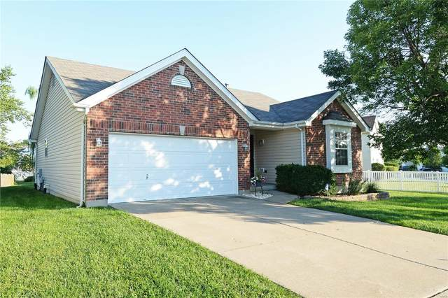 1220 Briarchase Drive, Lake St Louis, MO 63367 (#20056841) :: The Becky O'Neill Power Home Selling Team