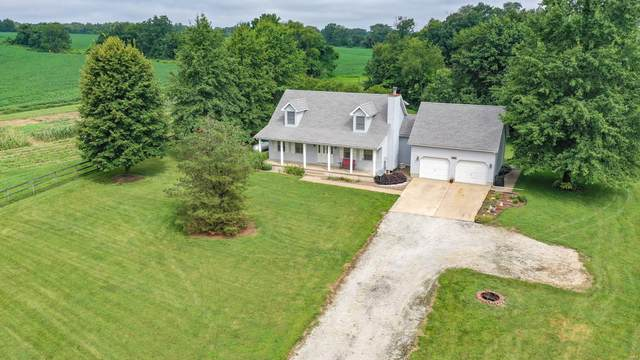 20304 Oak Meadow Lane, Grafton, IL 62037 (#20057011) :: The Becky O'Neill Power Home Selling Team
