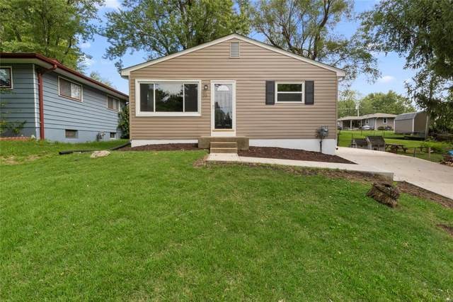 35 Oakland Drive, Saint Charles, MO 63303 (#20057016) :: The Becky O'Neill Power Home Selling Team