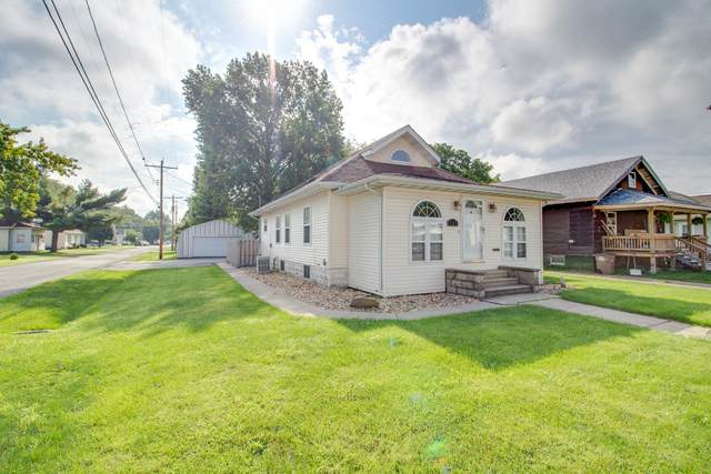 727 N Broad Street, CARLINVILLE, IL 62626 (#20057022) :: Tarrant & Harman Real Estate and Auction Co.