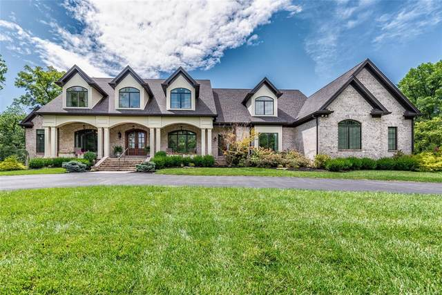 23 Overbrook Drive, Ladue, MO 63124 (#20057060) :: The Becky O'Neill Power Home Selling Team