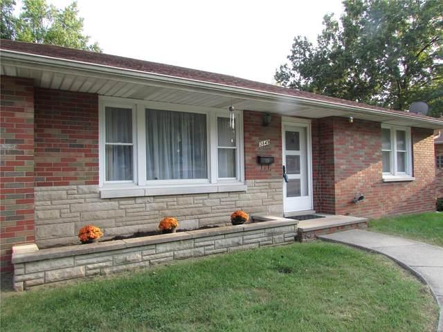 3849 Coronado Drive, Alton, IL 62002 (#20057379) :: The Becky O'Neill Power Home Selling Team