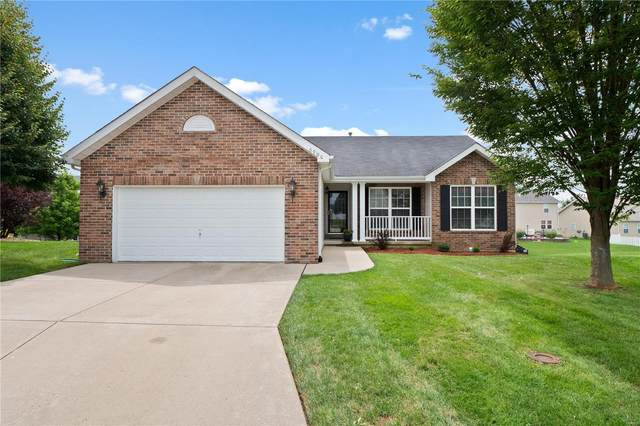 6900 Arbor Cove Drive, Fairview Heights, IL 62208 (#20057653) :: The Becky O'Neill Power Home Selling Team