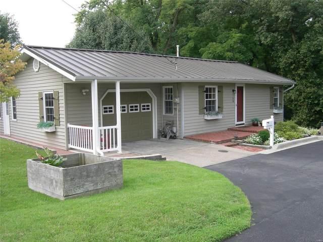 748 W Oak Street, CHESTER, IL 62233 (#20058076) :: Clarity Street Realty