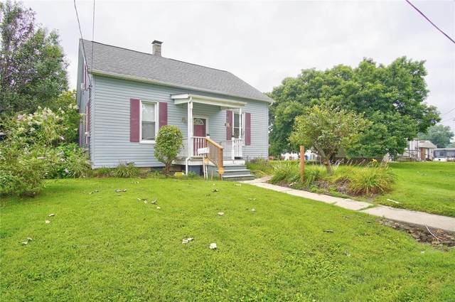 304 S 3rd, Caseyville, IL 62232 (#20058184) :: The Becky O'Neill Power Home Selling Team