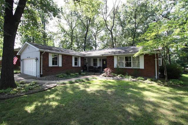 1111 Robert Drive, Godfrey, IL 62035 (#20058369) :: The Becky O'Neill Power Home Selling Team