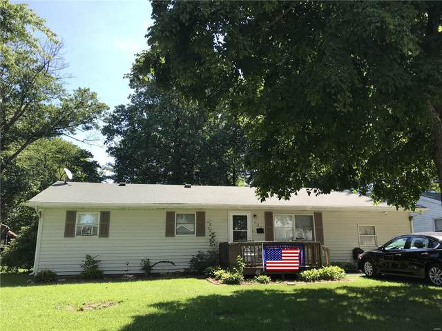 134 Roberts Street, Jerseyville, IL 62052 (#20058983) :: The Becky O'Neill Power Home Selling Team