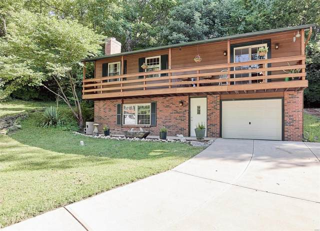 25 Stonecliff Drive, Fenton, MO 63026 (#20058996) :: The Becky O'Neill Power Home Selling Team