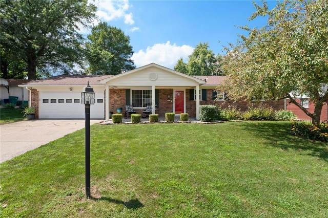 221 Williamsburg Drive, Belleville, IL 62221 (#20059418) :: Parson Realty Group
