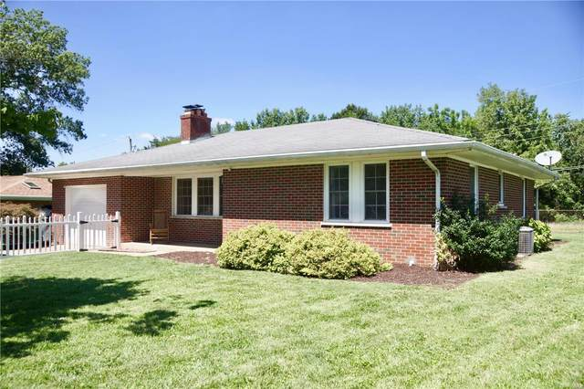 16 Dianne Drive, Belleville, IL 62220 (#20060052) :: The Becky O'Neill Power Home Selling Team