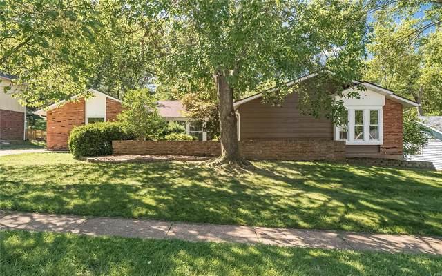 484 Maymont, Ballwin, MO 63011 (#20060246) :: The Becky O'Neill Power Home Selling Team