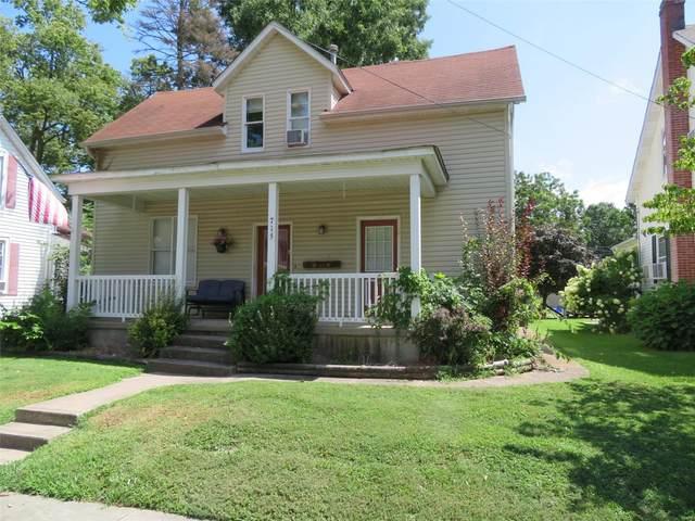 715 Pine Street, Highland, IL 62249 (#20060280) :: Kelly Hager Group | TdD Premier Real Estate