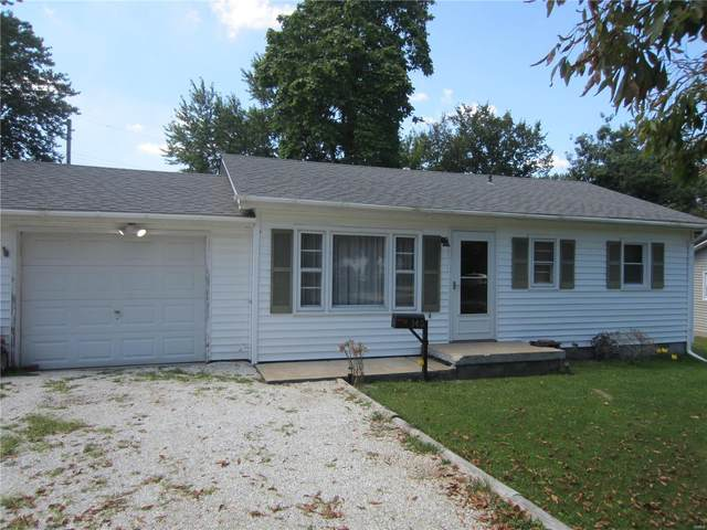 145 Roberts Street, Jerseyville, IL 62052 (#20060321) :: The Becky O'Neill Power Home Selling Team