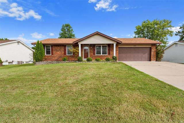 3846 Towers Road, Saint Charles, MO 63304 (#20060876) :: The Becky O'Neill Power Home Selling Team
