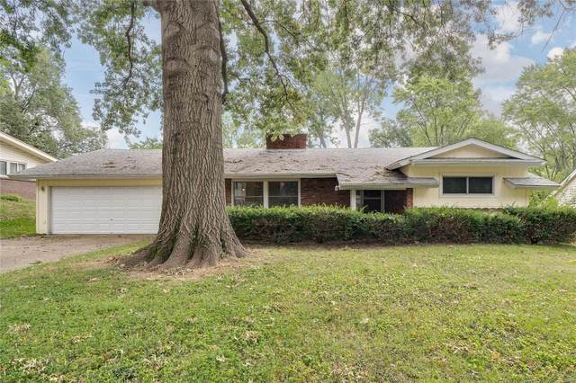 37 Montauk, St Louis, MO 63146 (#20061597) :: Kelly Hager Group | TdD Premier Real Estate