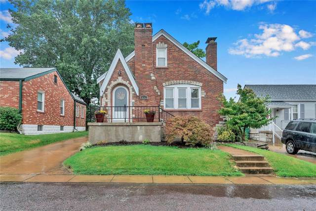 4752 Stone Avenue, St Louis, MO 63123 (#20062605) :: The Becky O'Neill Power Home Selling Team