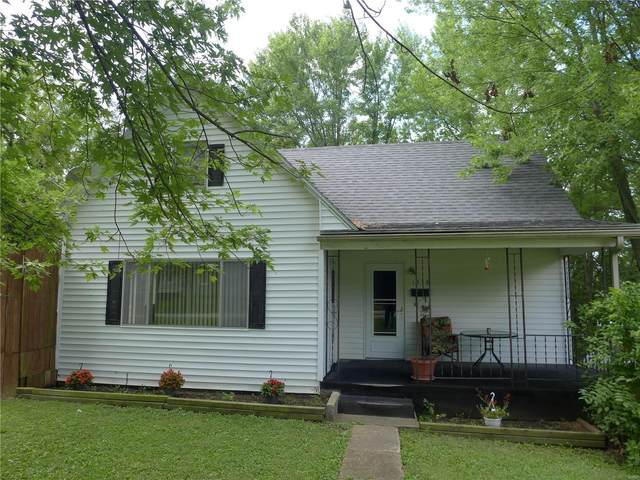 1513 Montana, Hannibal, MO 63401 (#20064243) :: The Becky O'Neill Power Home Selling Team