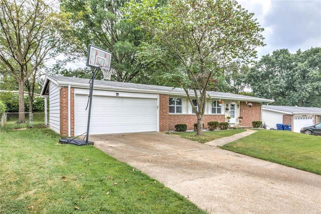 1640 Gallant Fox Drive, Florissant, MO 63033 (#20066128) :: The Becky O'Neill Power Home Selling Team