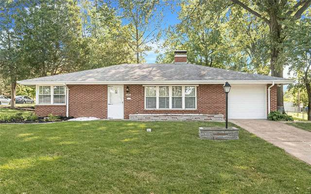 2054 Goodale Avenue, St Louis, MO 63114 (#20066276) :: Parson Realty Group