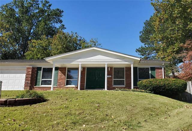 4 Edgestone, Florissant, MO 63033 (#20066980) :: The Becky O'Neill Power Home Selling Team