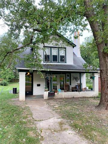 22 S Hartnett Avenue, St Louis, MO 63135 (#20067007) :: The Becky O'Neill Power Home Selling Team