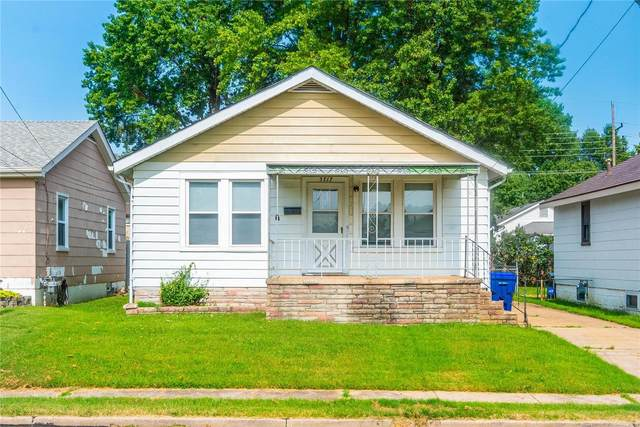 3717 Risch Avenue, St Louis, MO 63125 (#20067257) :: Kelly Hager Group | TdD Premier Real Estate