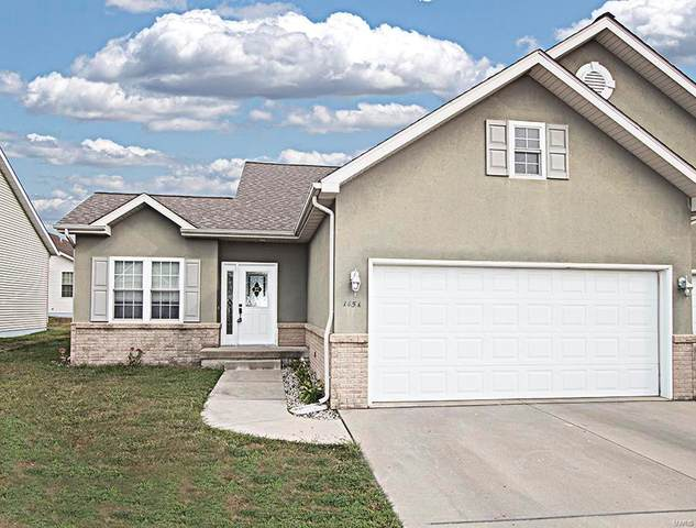 145 Field Crossing A, Highland, IL 62249 (#20067878) :: RE/MAX Professional Realty