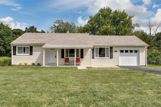 2116 Ridgedale, High Ridge, MO 63049 (#20068197) :: Kelly Hager Group | TdD Premier Real Estate
