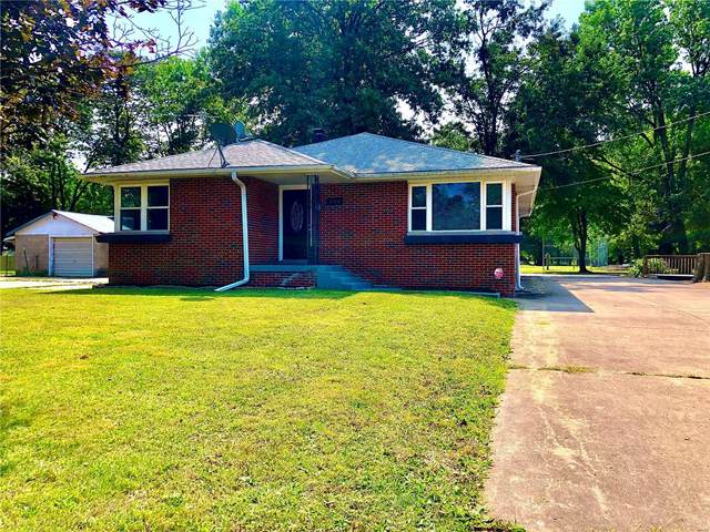 220 Broadway, Highland, IL 62249 (#20068558) :: RE/MAX Professional Realty