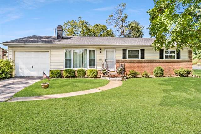 1001 Maeville Drive, St Louis, MO 63122 (#20068575) :: Clarity Street Realty