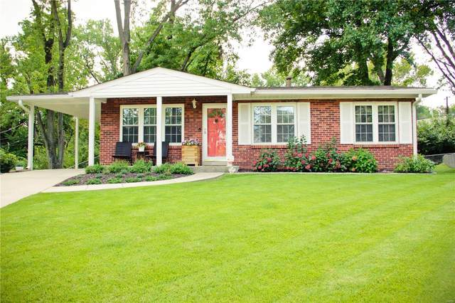 22 Lennox Terrace, Maryland Heights, MO 63043 (#20069910) :: The Becky O'Neill Power Home Selling Team