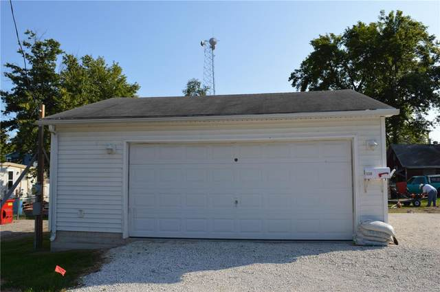 510 Snedeker Street, Jerseyville, IL 62052 (#20069914) :: The Becky O'Neill Power Home Selling Team