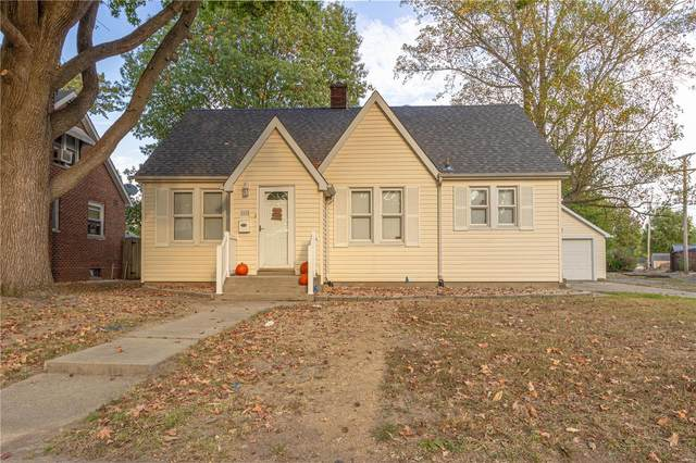 1615 Maple Street, Highland, IL 62249 (#20070325) :: The Becky O'Neill Power Home Selling Team