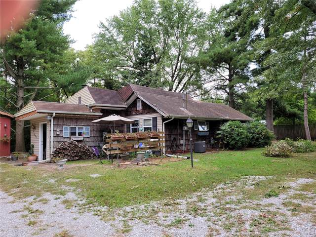 4705 Levis Lane, Godfrey, IL 62035 (#20071403) :: The Becky O'Neill Power Home Selling Team