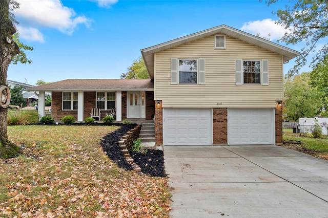 3918 Bellvue Drive, Saint Peters, MO 63376 (#20075748) :: The Becky O'Neill Power Home Selling Team