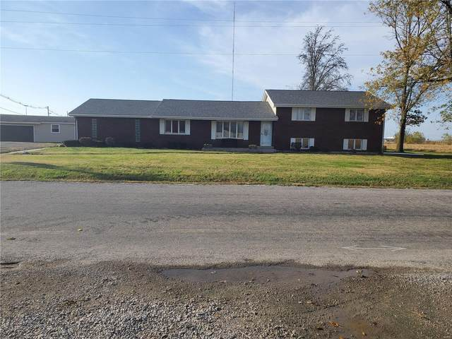16996 Old State Road, CARLYLE, IL 62231 (#20076087) :: The Becky O'Neill Power Home Selling Team
