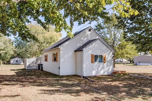 1102 Washington Avenue, STAUNTON, IL 62088 (#20076394) :: Tarrant & Harman Real Estate and Auction Co.