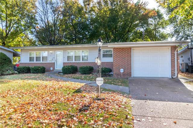 1370 Hialeah Place, Florissant, MO 63033 (#20076782) :: The Becky O'Neill Power Home Selling Team