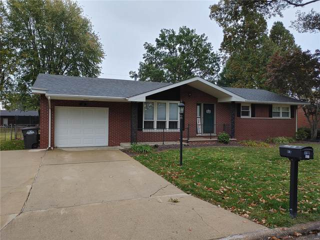 336 Crestview Dr., Wood River, IL 62095 (#20076944) :: Tarrant & Harman Real Estate and Auction Co.