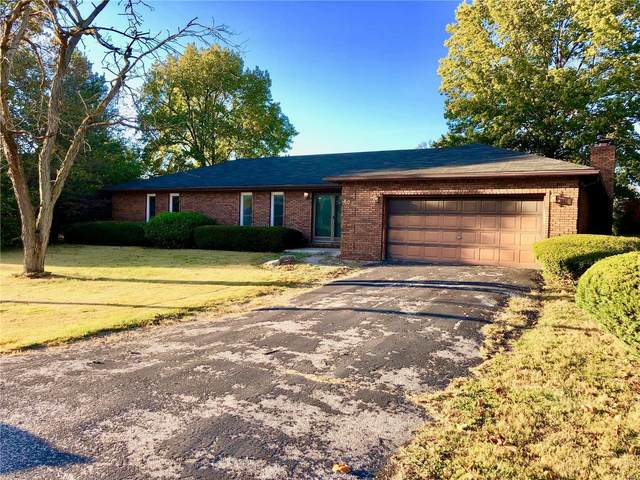 805 W Warren, BUNKER HILL, IL 62014 (#20077378) :: Tarrant & Harman Real Estate and Auction Co.
